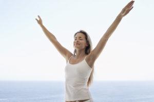 Inflamación abdominal después de aumento de senos
